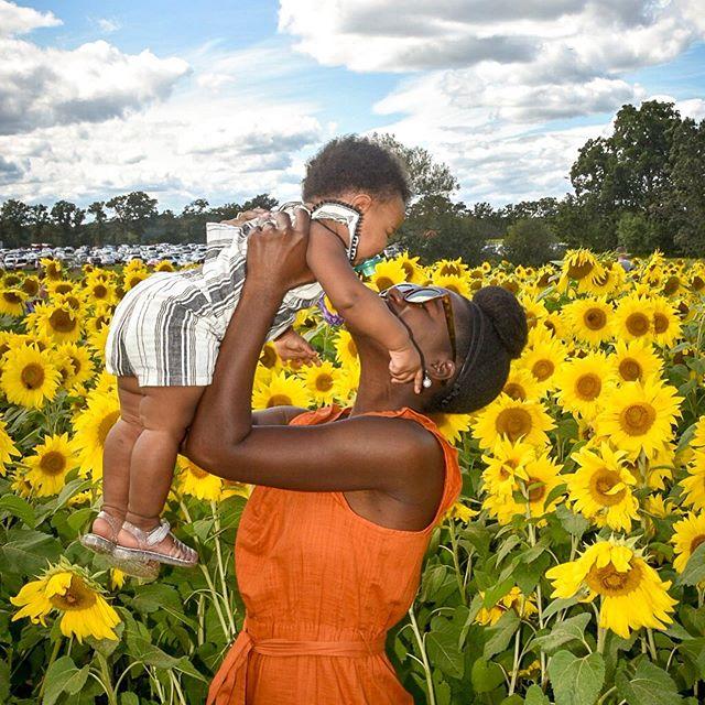 Living for all the Sunday vibes ✌🏿 . . . . . . . . . . #thisis30 #gradschoollife  #womeninstem #bioengineers #womeninscience #engineeringstudent #uniteinmotherhood #womeninscienceandengineering #motherhoodthroughinstagram #momlife  #photooftheday  #daughterandmother #honestmotherhood #motherhoodinspired #familyphotoshoot  #browngirlbloggersunite #fatherandsongoals #workingmomstyle #fashiondiaries #stylediaries  #aboutalook #flashesofdelight  #blackgirlmagic #blackmomsblog #beautyyouseek #capturequiet #momentsinmotherhood