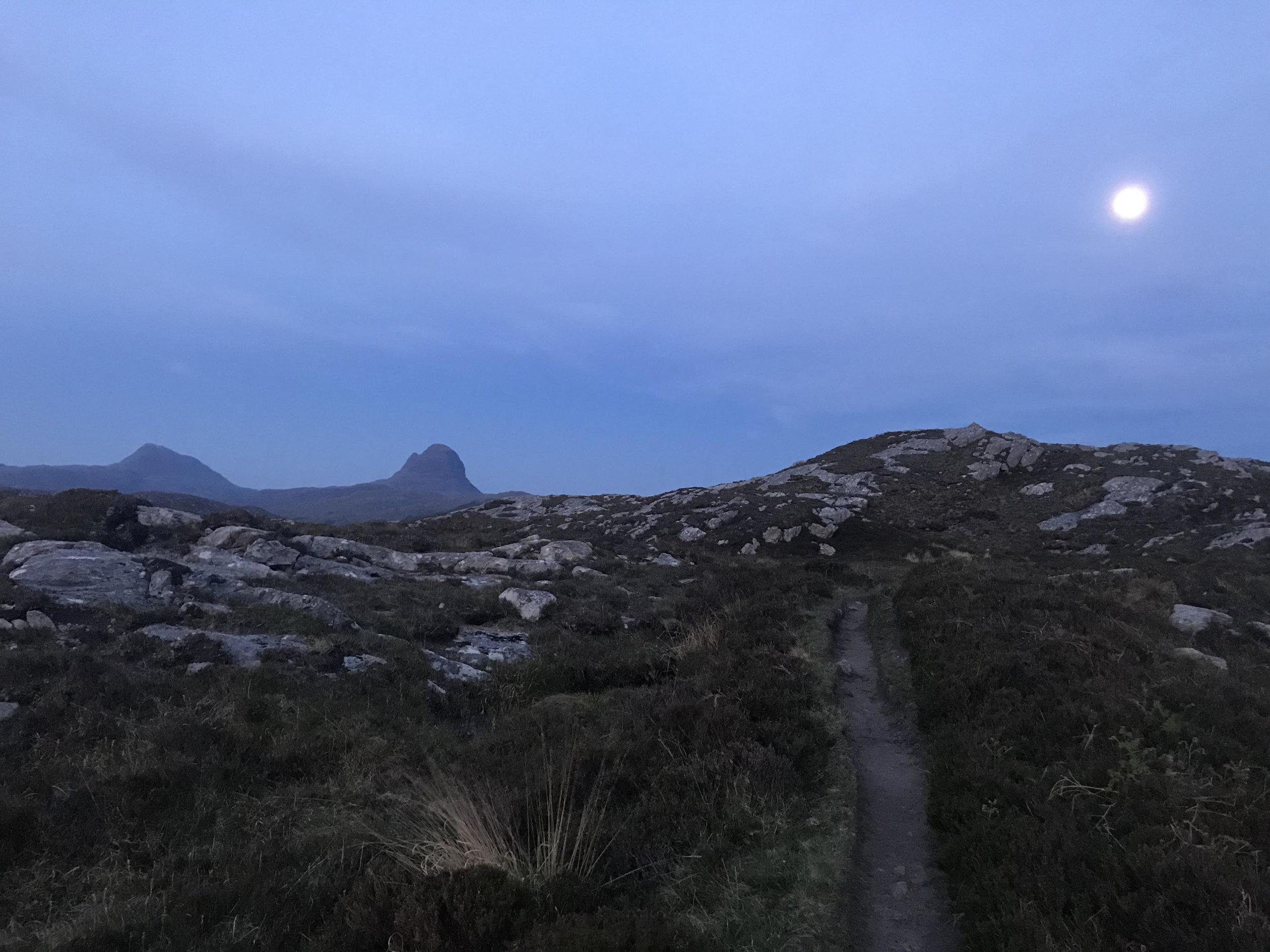 Coastal singletrack near Lochinver. Suliven in the background.