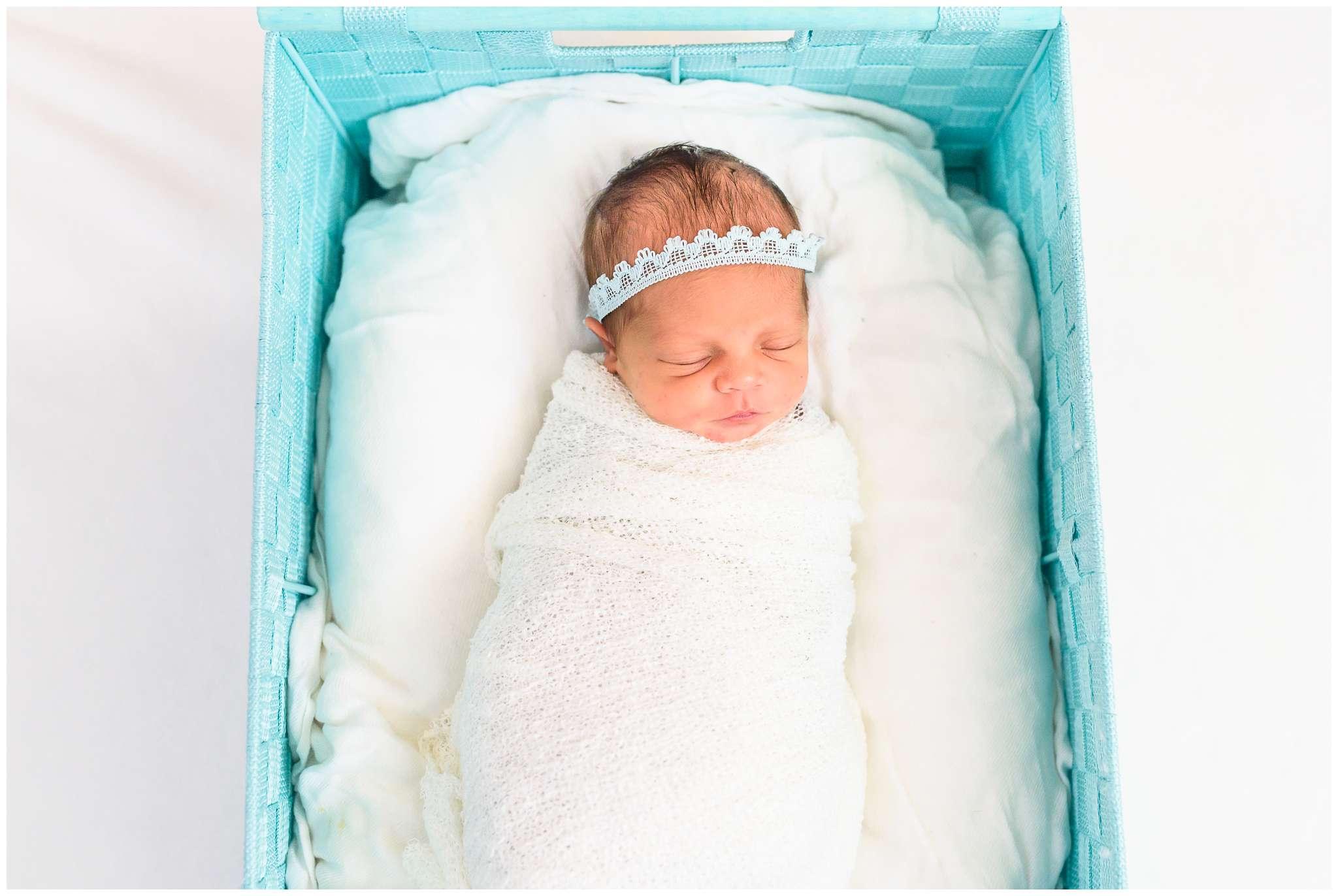 Emery Newborn_2204.jpg