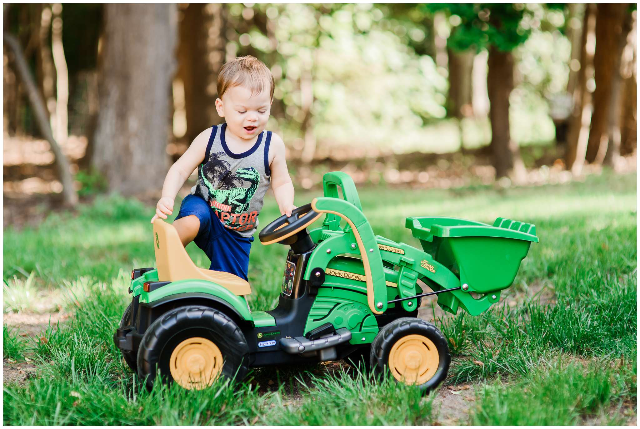 Liam and Tractor_4009.jpg