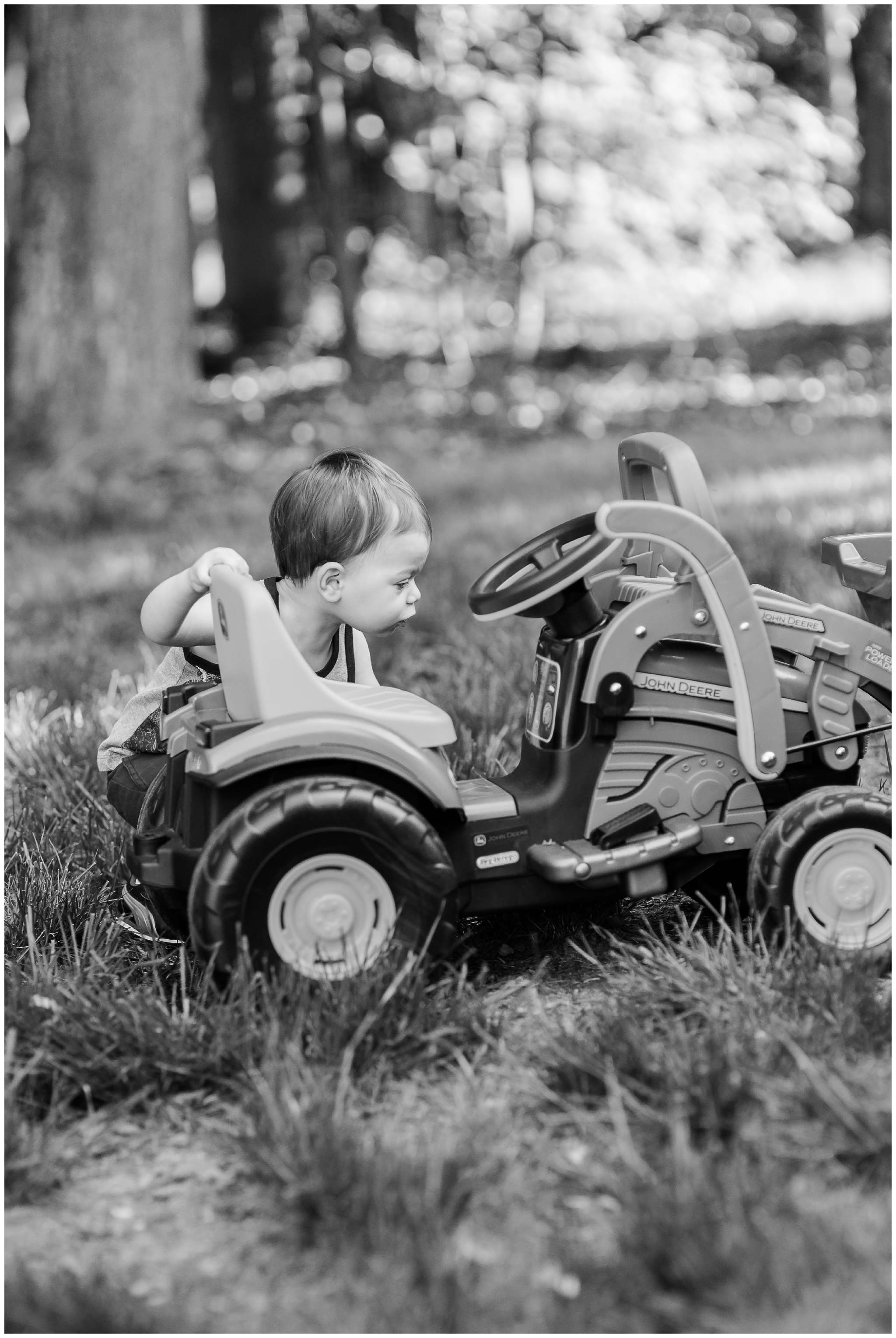 Liam and Tractor_4008.jpg