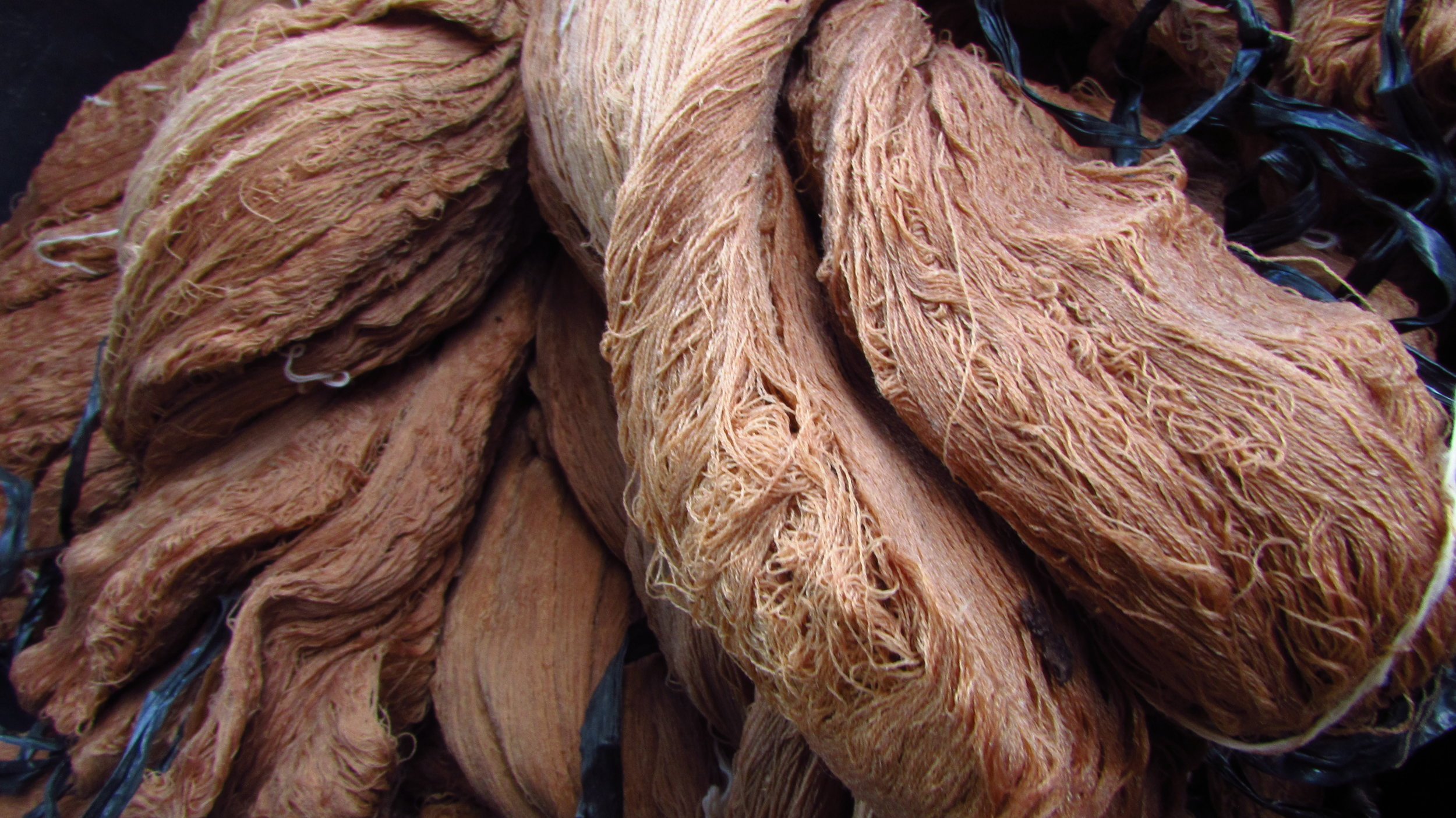 FERMENTED IRON DYED CREAM