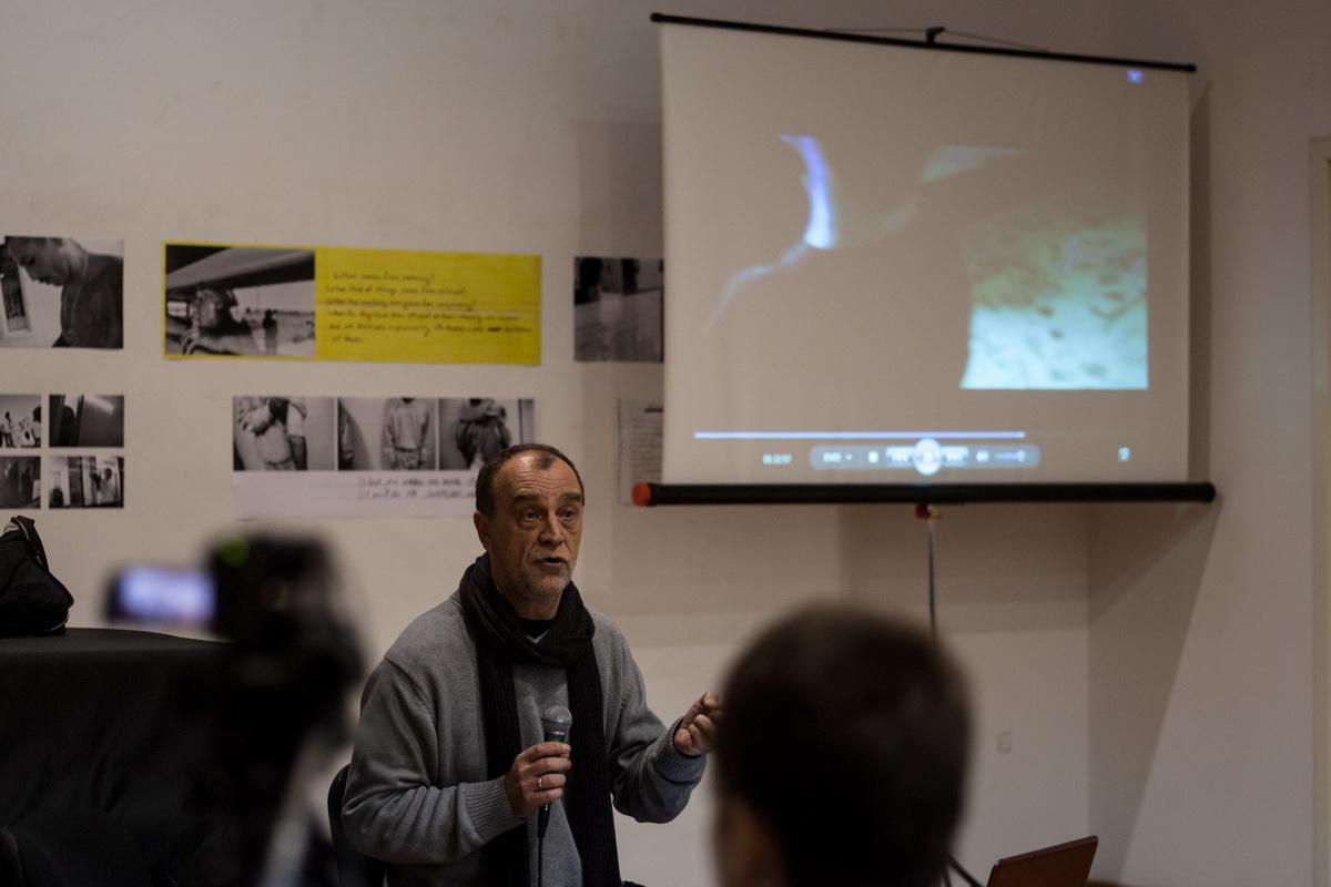 Jovan Čekić Predavanje u ciklusu O melanholiji 3 decembar 2013 KCB Foto Srdjan Veljović (3).jpg