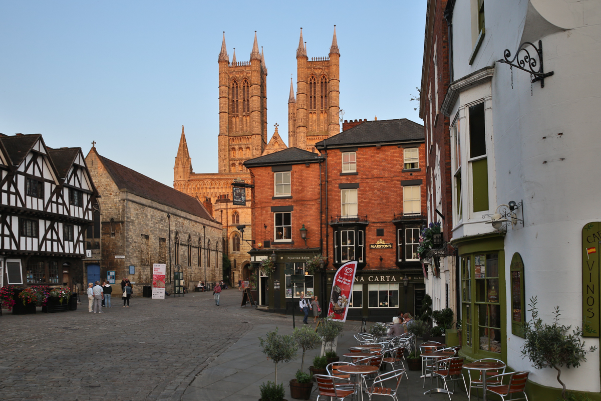 The Lincoln House is situated in the heart of Lincoln's famous Cathedral Quarter