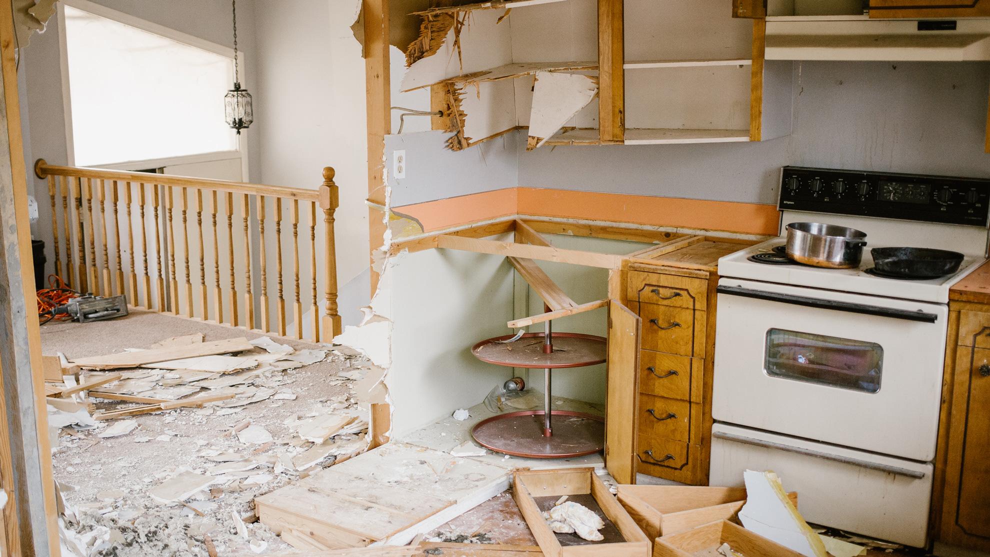 Malad-Kitchen-Entry-Before.jpg