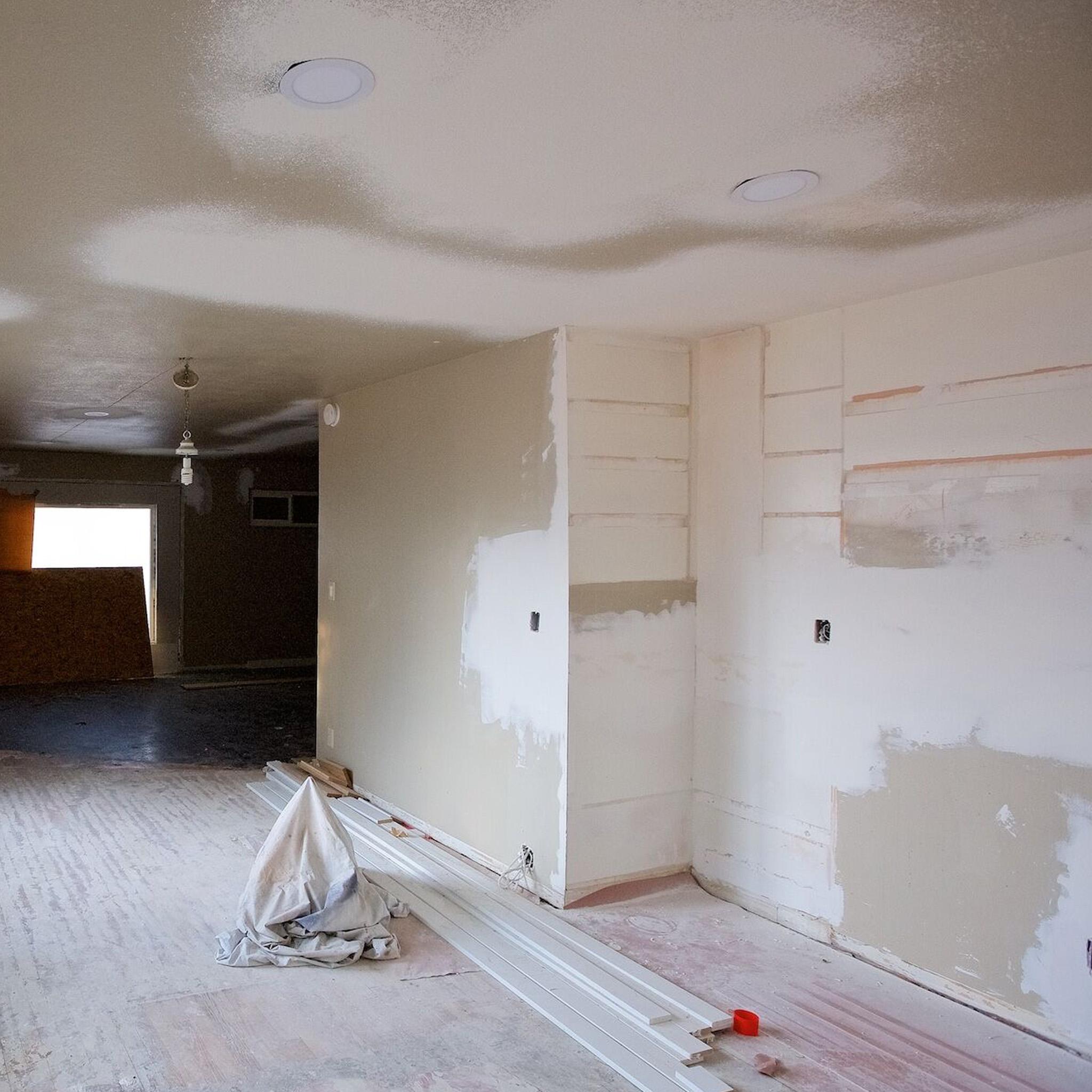 S2E04 - The Mural House_0006_Layer 36.jpg