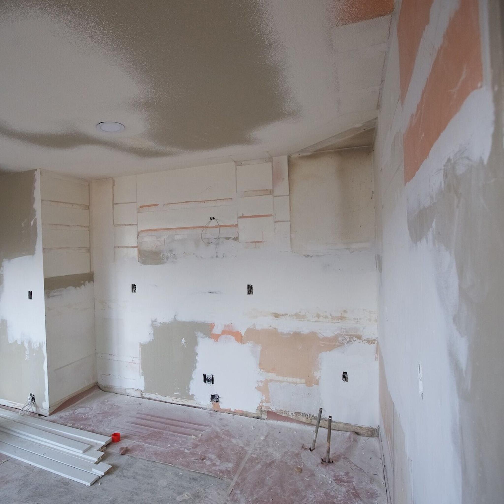 S2E04 - The Mural House_0004_Layer 40.jpg