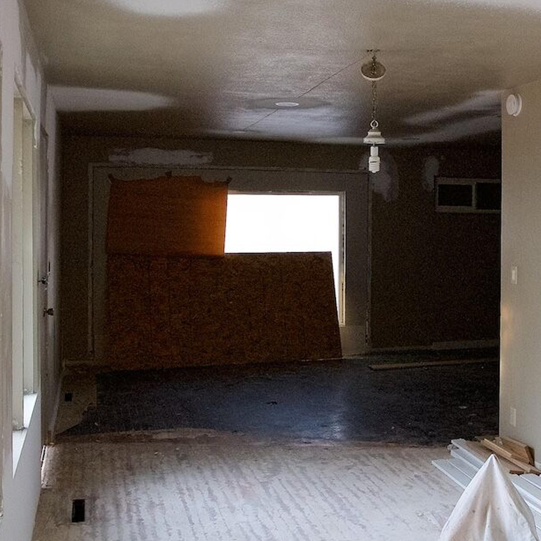 S2E04 - The Mural House_0003_Layer 42.jpg