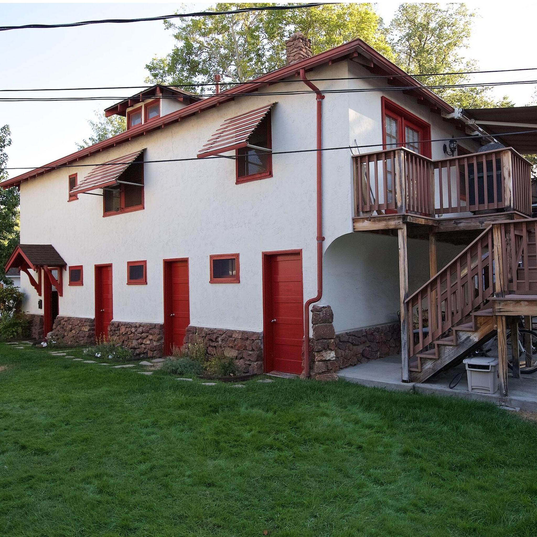 S2E08 - Casa De Boise_0027_Layer 139.jpg