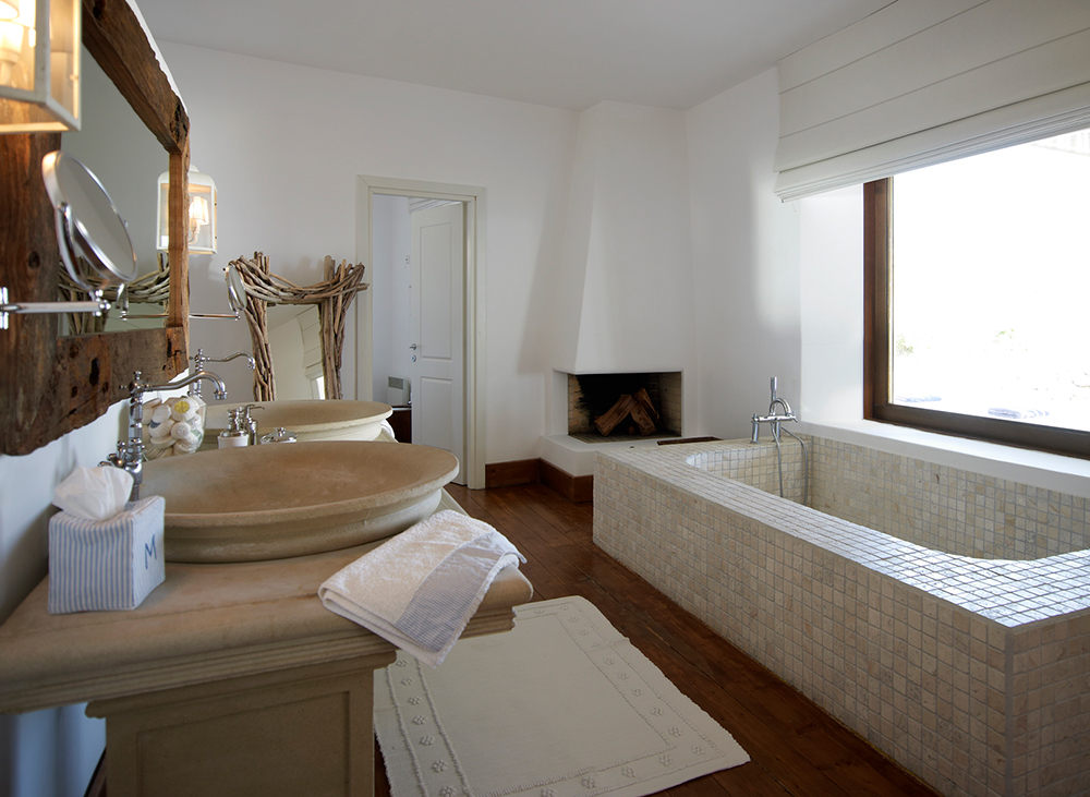 MASTER-BATHROOM-Mykonos.jpg