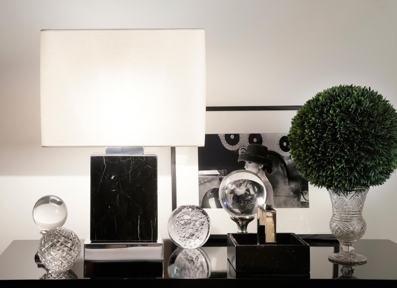 black-whiteveins-table-marble-lamp.jpg