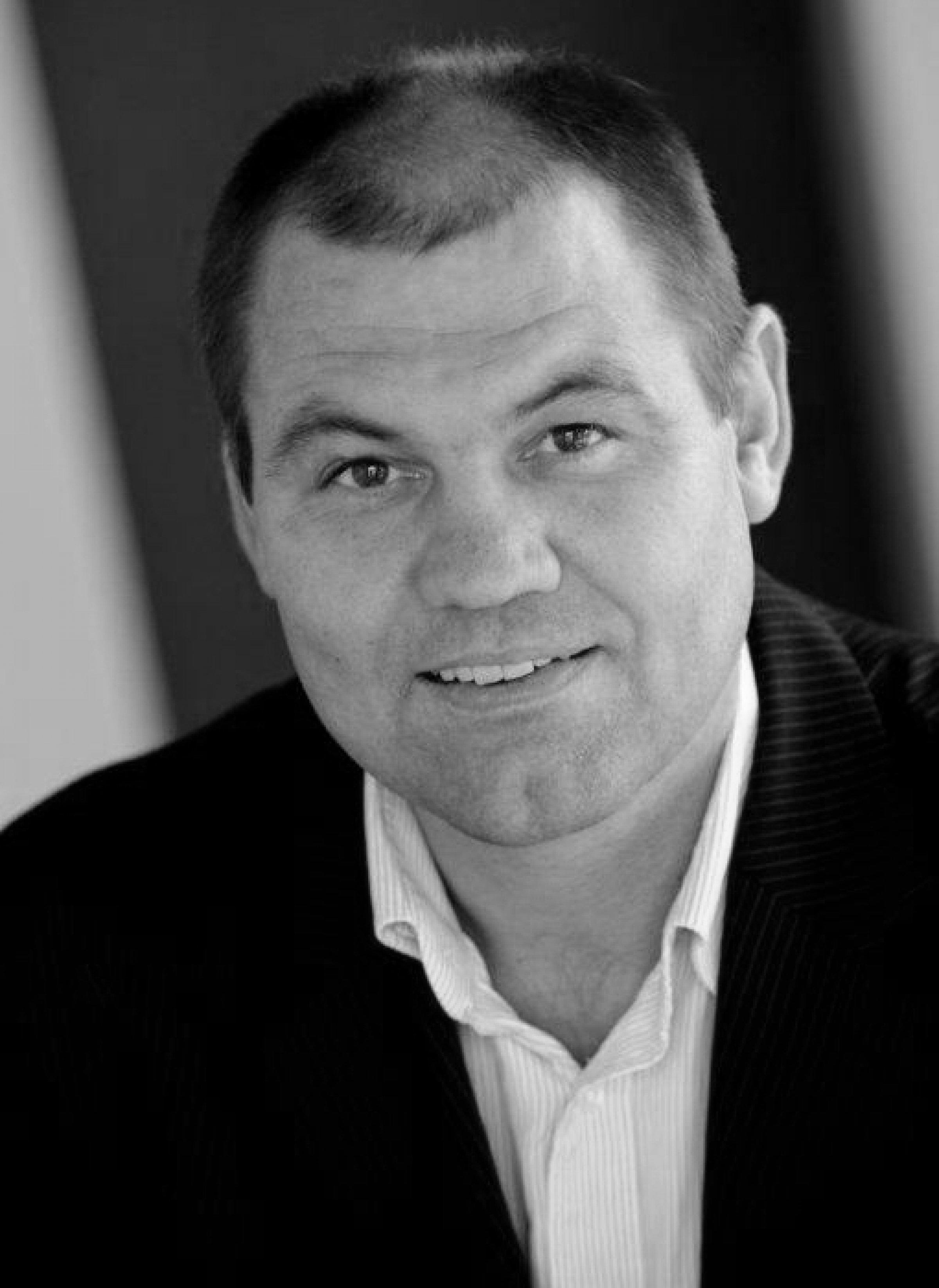 PROFESSOR PH.D. JAN STENTOFT ARLBJØRN  Institut for Entreprenørskab og Relationsledelse SDU.  Ekspertiseområder: Forsyningskædeøkonomi, logistik, supply chain, bæredygtighed, IT i supply chain, innovation.