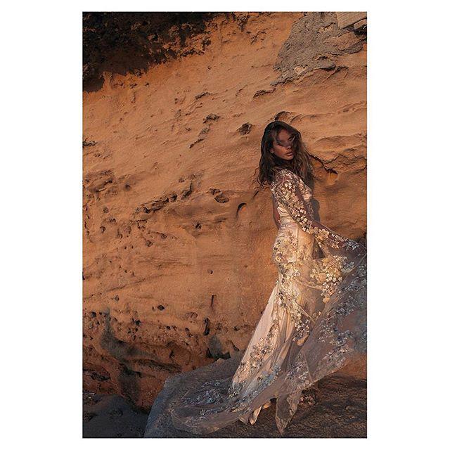 Oldie + goodie @la_bespoke @kimschk @jessiemay_bohobeauty @odylynetheceremony #ibizalife #editorialphotography #odylynetheceremony #thelane #bridesbyalli #bridalportrait #naturalweddingphotography #celebritywedding