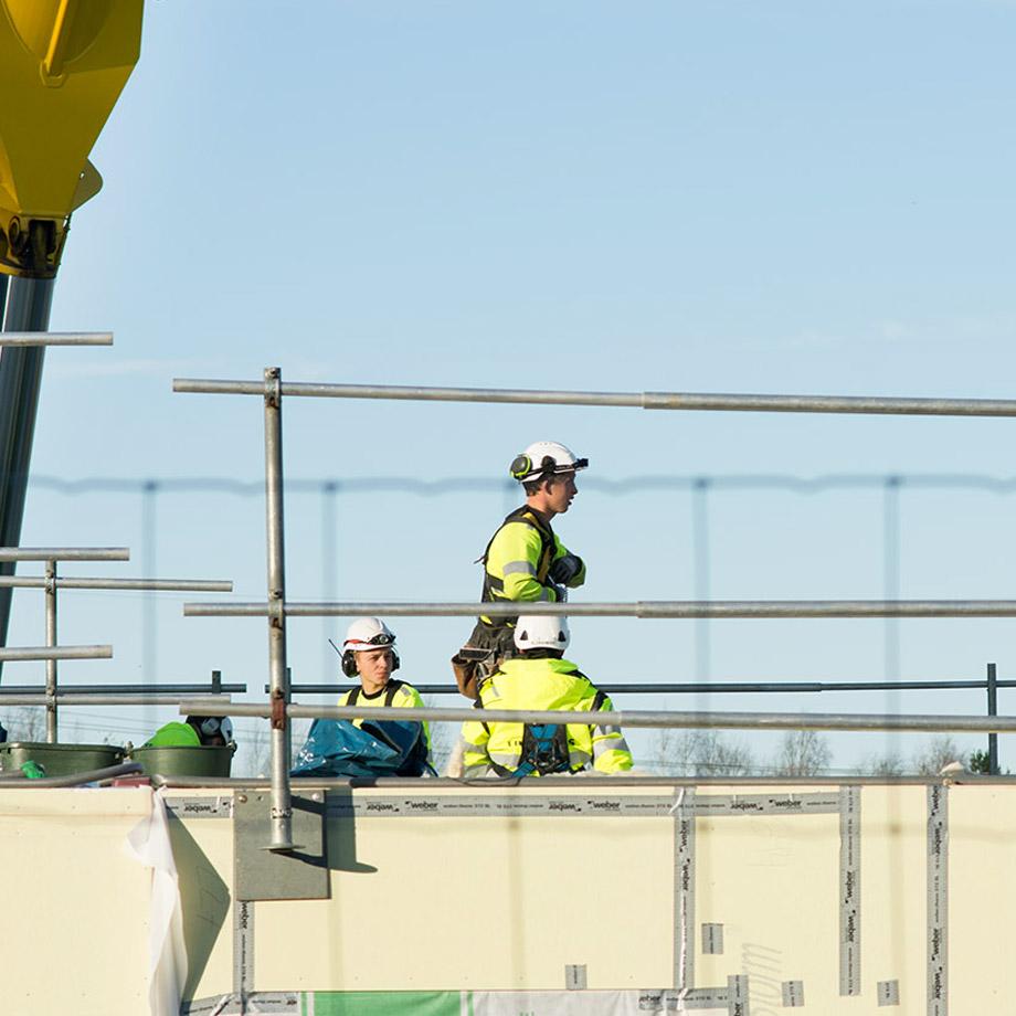 Bygg - Vi är med och bygger Norrbotten.Vi utför om-, till-, och nybyggnationer av flerbostadshus, kommersiella och offentliga lokaler i både trä och betong. Vi bygger och monterar industrihallar med stålkonstruktioner. NYAB innehar ett stort antal ramavtal med försäkringsbolag, kommuner samt kommunala och statliga verk och bolag.