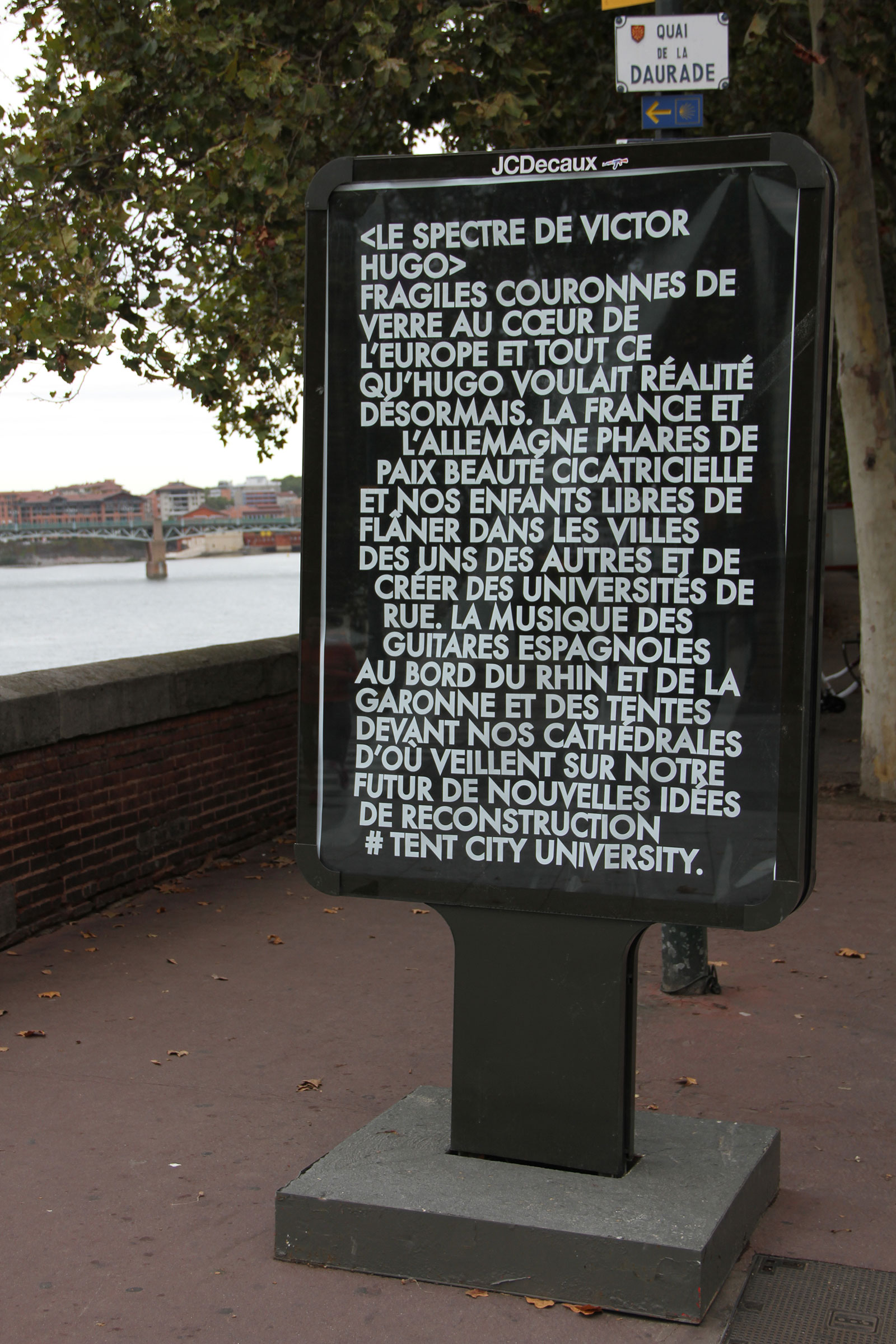 TOULOUSE-INSTALLATION-SHOT-2-FRENCH.jpg