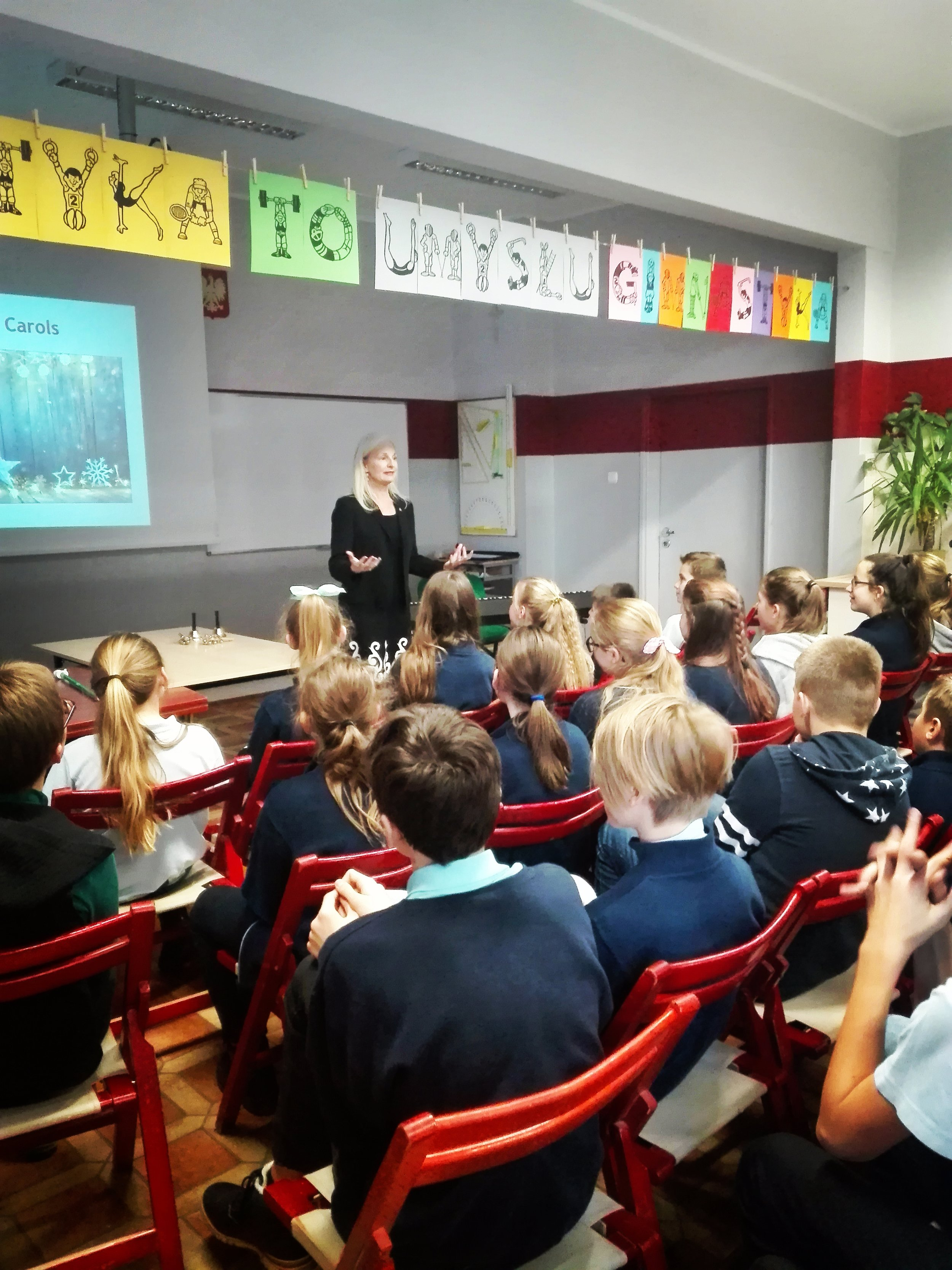 Primary School #7, Poznan - Christmas in America, for 70 6th-graders! December 13, 2018