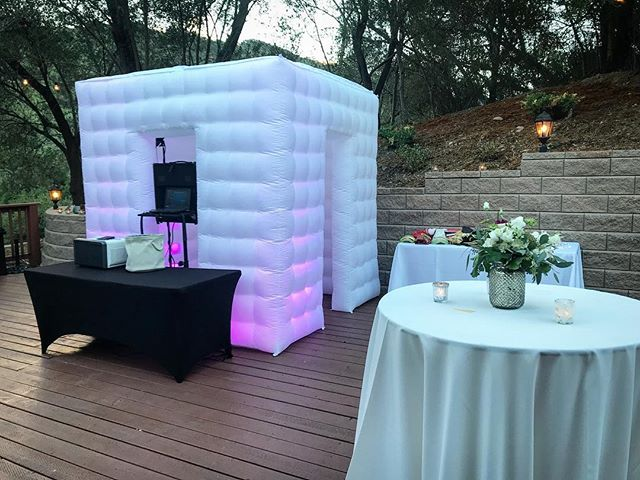 9.15.18 celebrating matrimony at Elliston Vineyards in Sunol. Such a beautiful venue to witness an amazing occasion! #wedding #sunol #photobooth #inflatable #summer #celebration #photography #matrimony #bayareaphotographer #eventrentals #partytime #yeeeeeee #ido