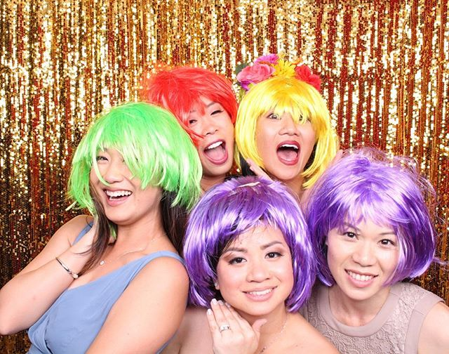 How's your 2018 been? Are you ready to make any changes for 2019? Who's going to start the New Year off at a new gym? Maybe be more punctual in the morning before work? Or try a new hair style like the beautiful ladies pictured?! Let us make your event one to never forget! #photobooth #happynewyear #happyholidays #wigs #partytime #eventrentals #wedding #christmas #saycheese #smile #celebrate #love #life #happy #blessed