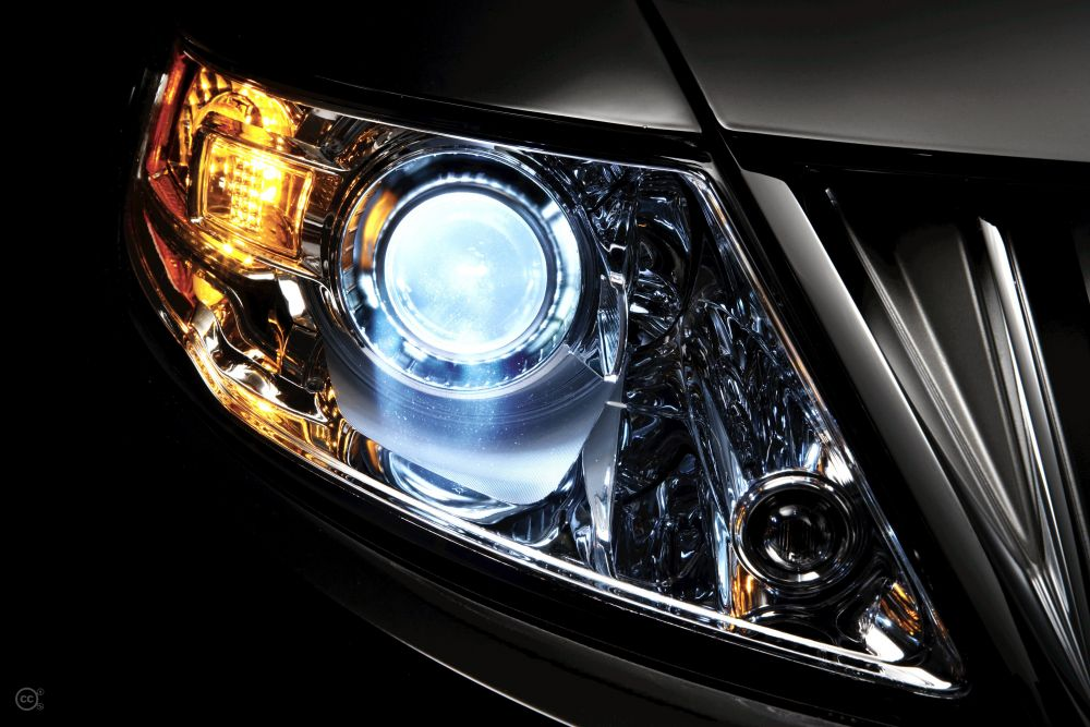 lincoln_xenon_headlamp-55df2dfa7db41.jpg