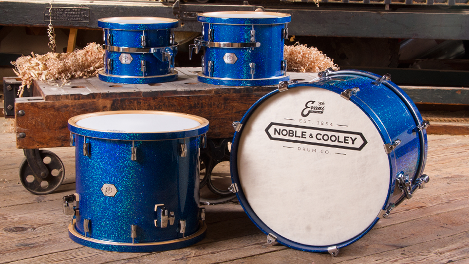 Horizon Cairo Blue Sparkle with Wood Hoops
