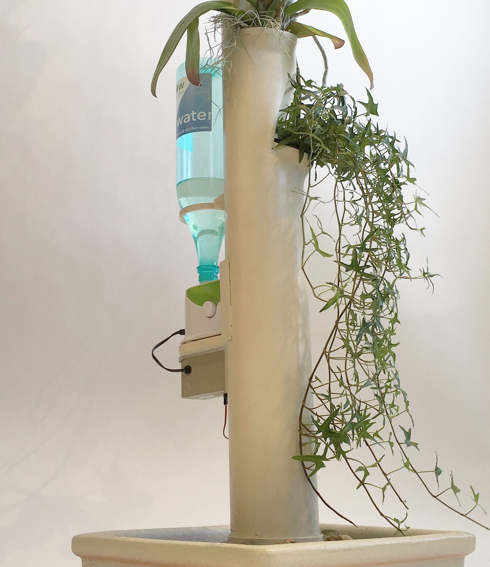 Aergrow post and water bottle