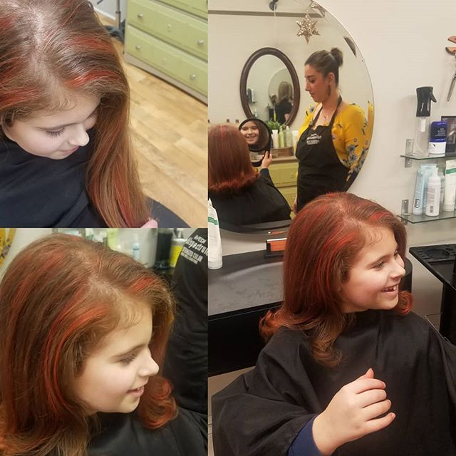 A girl knows what she wants! She asked for Coral streaks and she got it. Hair done by Natasha call for an appointment 4014613400  #joico#natashabps #pawtuxetvillage #appointments #hair #hairstyles #aveda #lomahaircare #rhodeisland #providence #layers #avedacolor