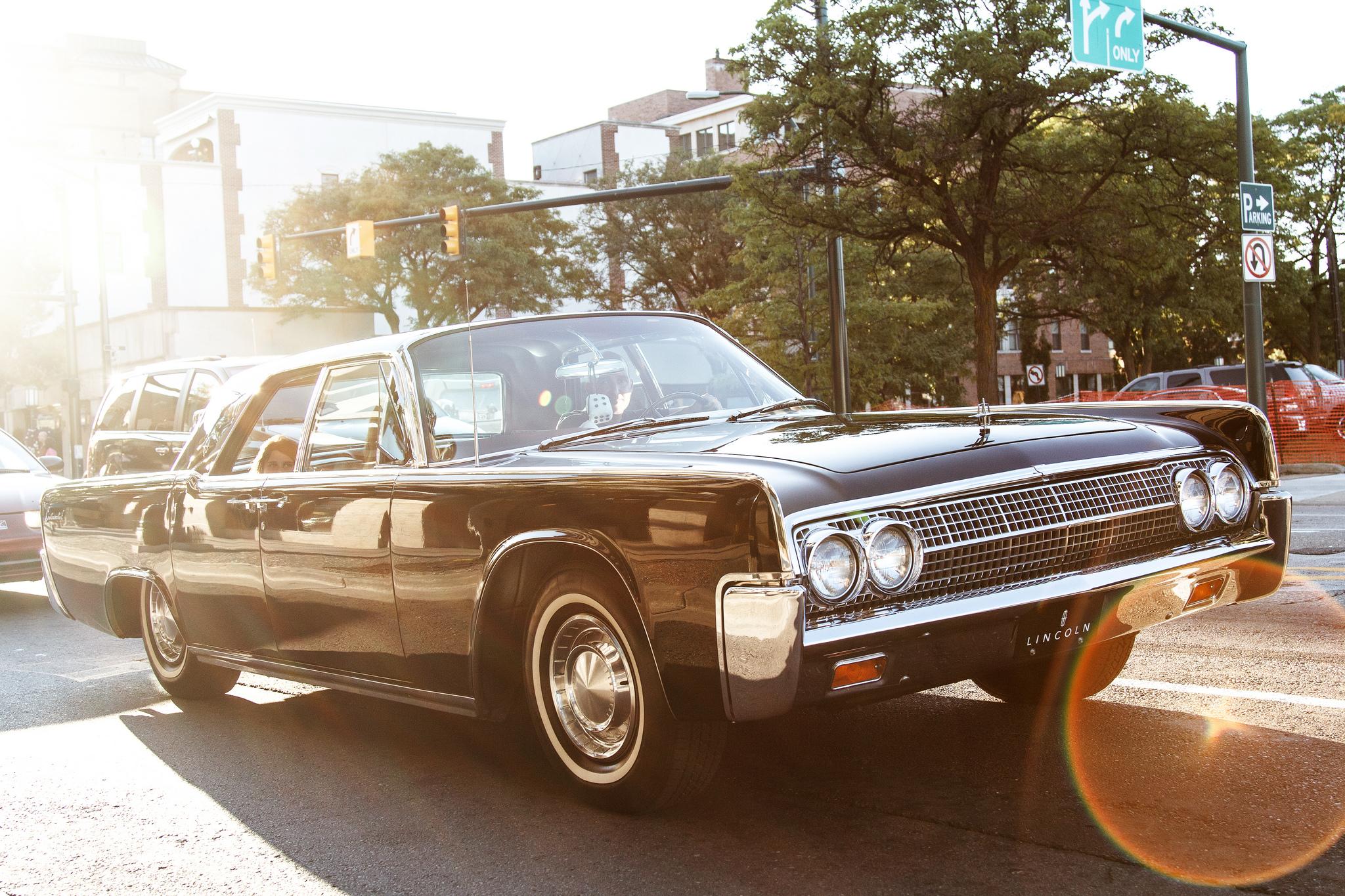 Lincoln Automotive Lifestyle