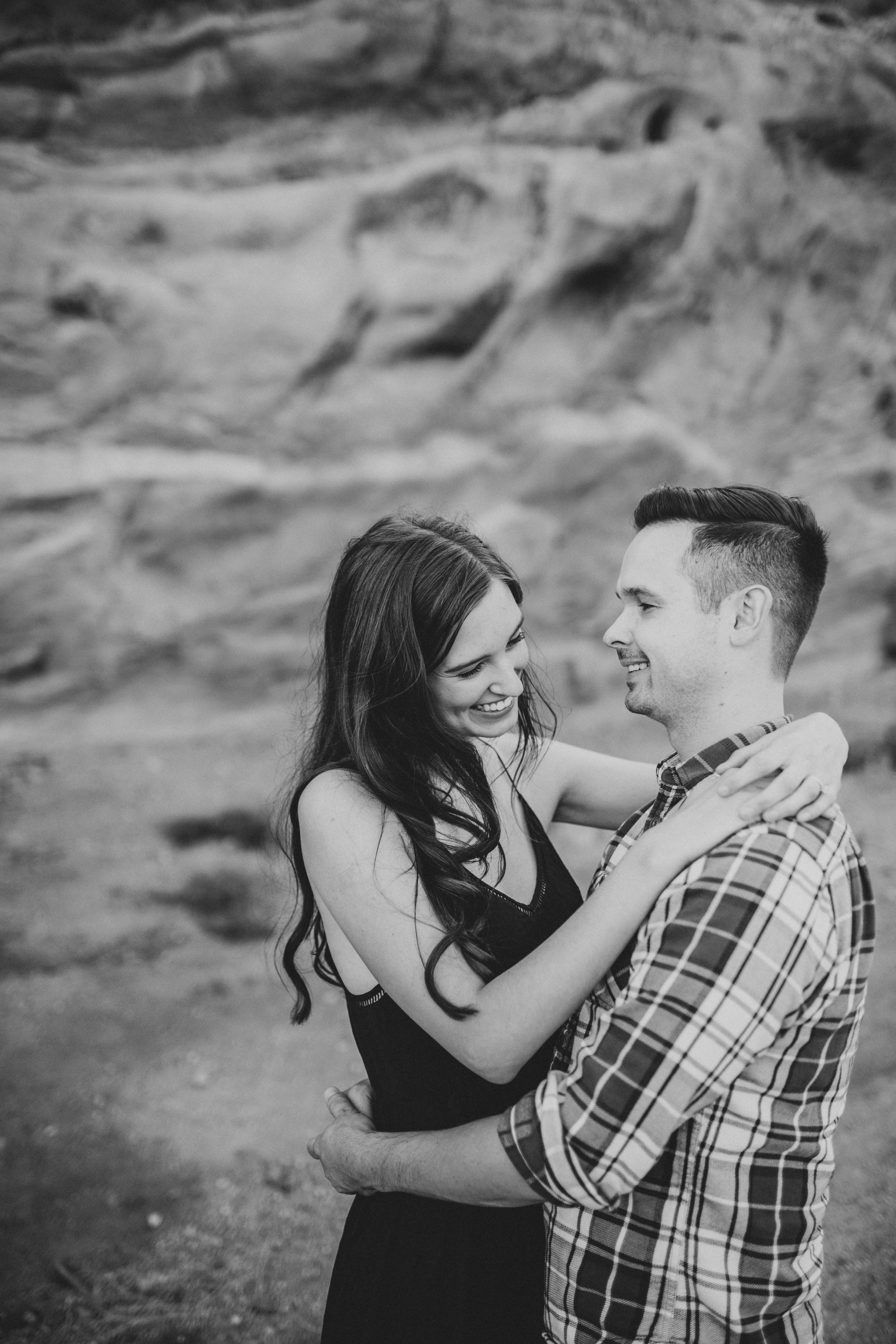 vasquez rocks engagement-5.jpg