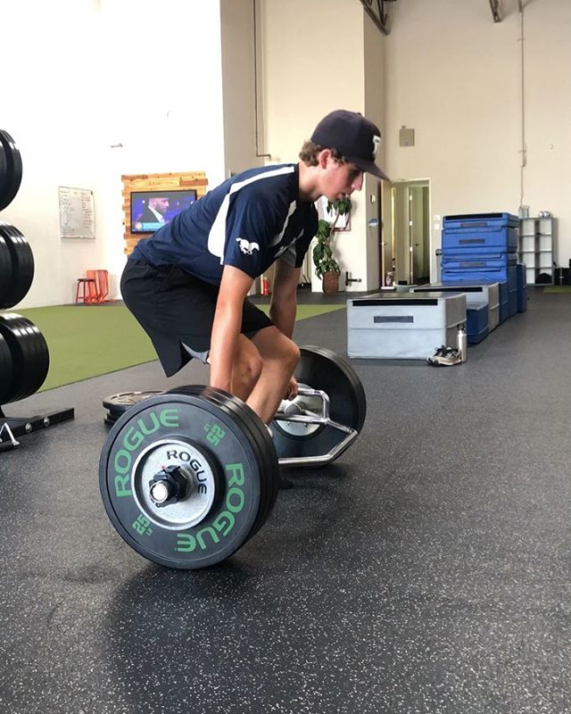 Today marks the end of Phase 2 for Josh.  7 very consistent weeks of training. Came in June 26th maxing out a 3 reps of 240 lbs on the Hex bar and is leaving today maxing out at 3 reps for 330 lbs.  Off to college you go buddy, it's been a pleasure as always working with you.  Good luck, as they say freshman year is the hardest and longest year.  I have no doubt in my mind you'll do just fine. 👊🏾 #TYMEperformance #CalStateLA #GoldenEagles #CalStateLaBaseball @calstatelabb www.tymeperformance.com