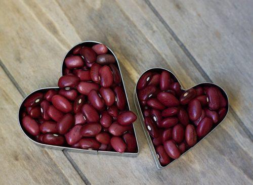 kidney-beans-heart-500x366 (1).jpg