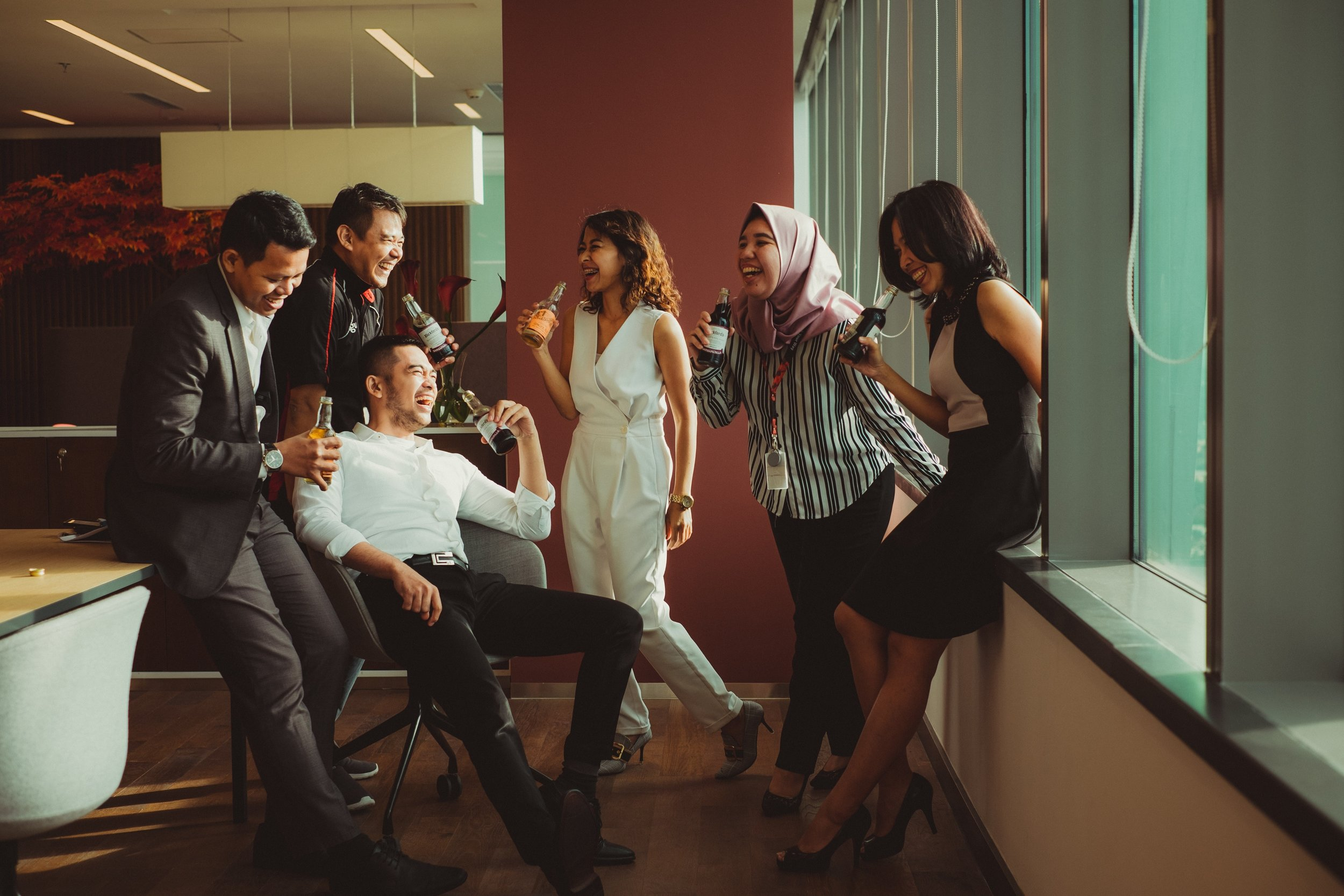 Happy Coworkers by Ali Yahya on Unsplash