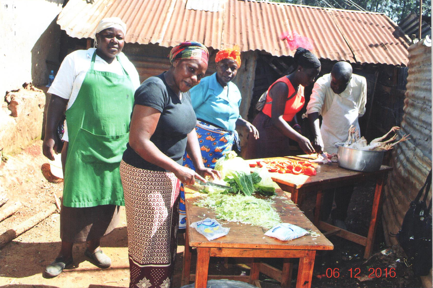 Cooking christmas dinner in Kibera