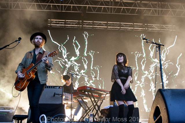CLICK THE IMAGE ABOVE FOR LIVE RHYTHM & VINES PHOTOS BY TEYLOR MOSS