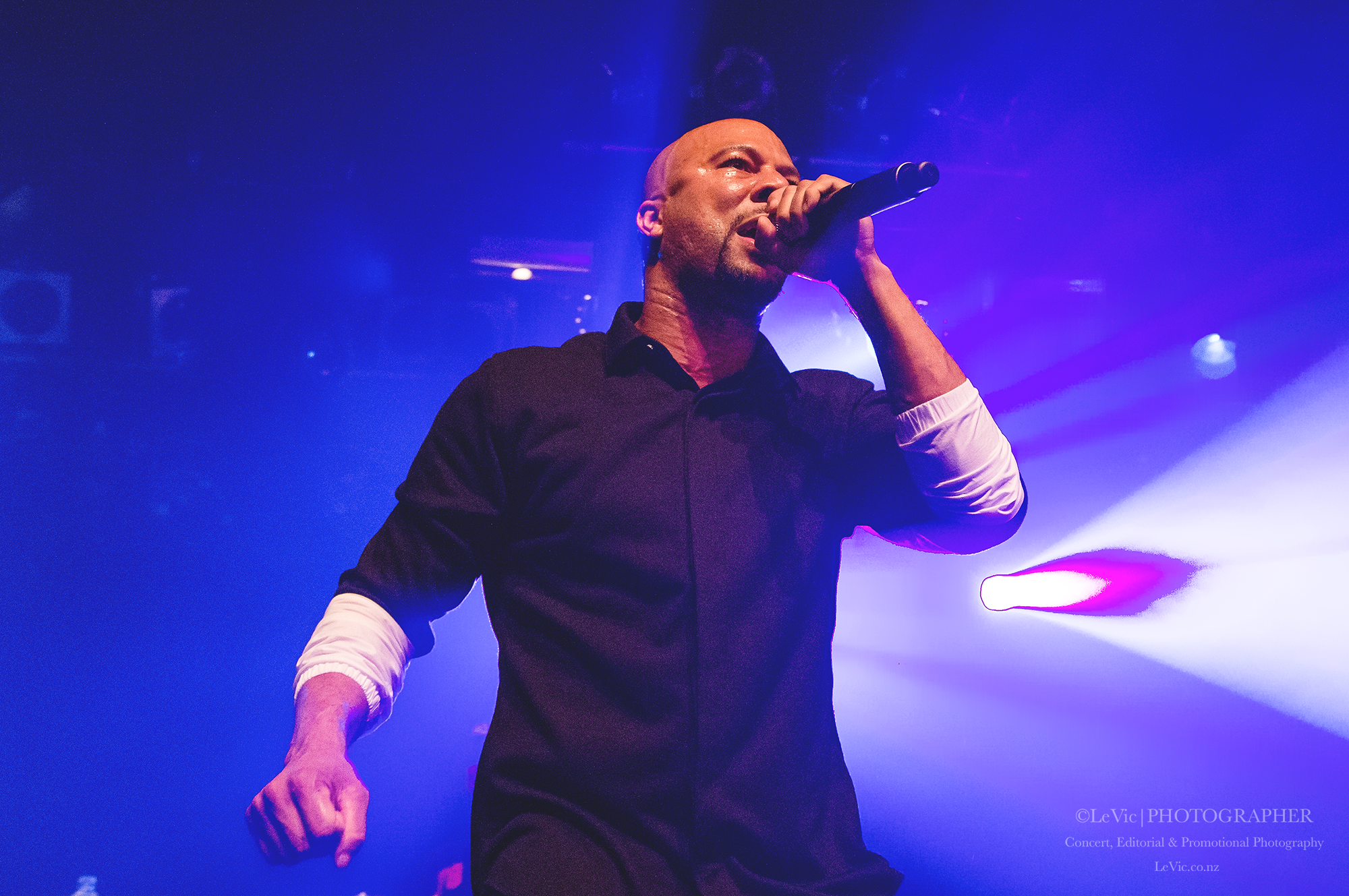 CLICK THE IMAGE ABOVE FOR LIVE PHOTOS FROM COMMON'S AUCKLAND SHOW   BY  LEAH VICTORIA