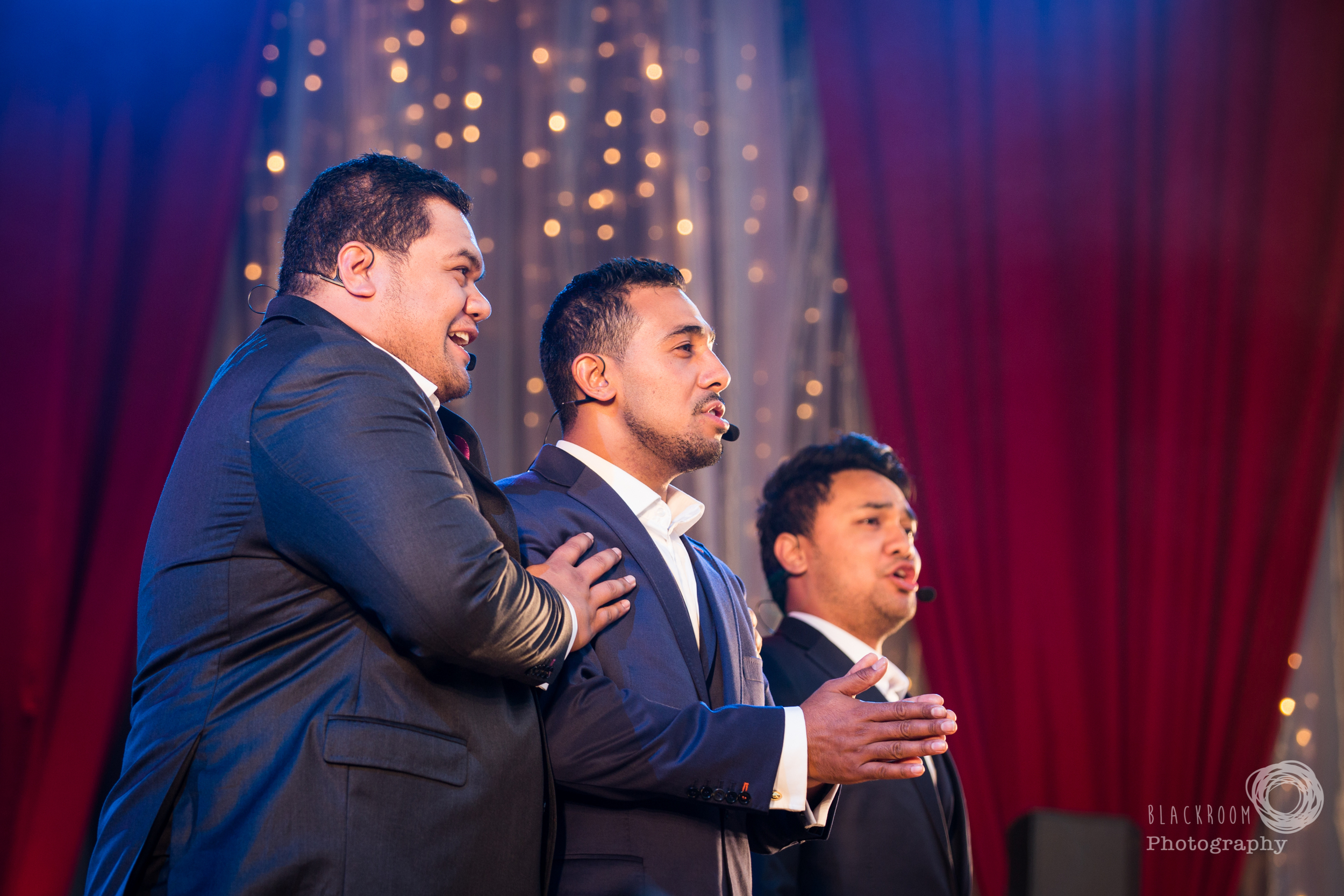 CLICK THE IMAGE ABOVE FOR LIVE PHOTOS FROM Sol3 Mio's AUCKLAND SHOW BY    MEGAN BLACKWELL