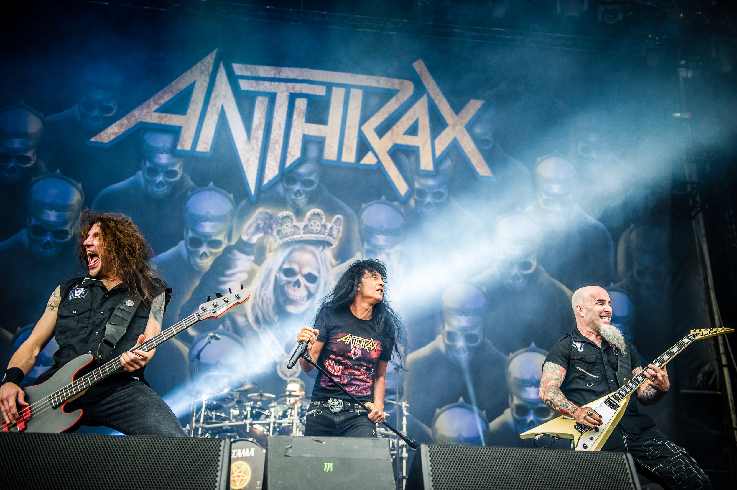 anthrax_download_sydney_01.jpg