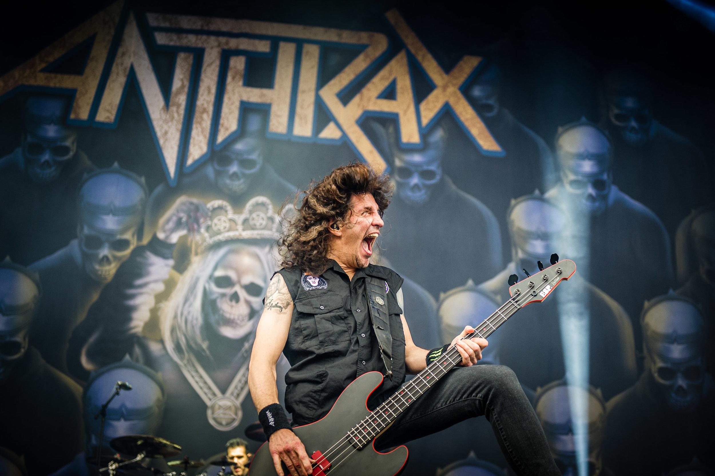 anthrax_download_sydney_12.jpg