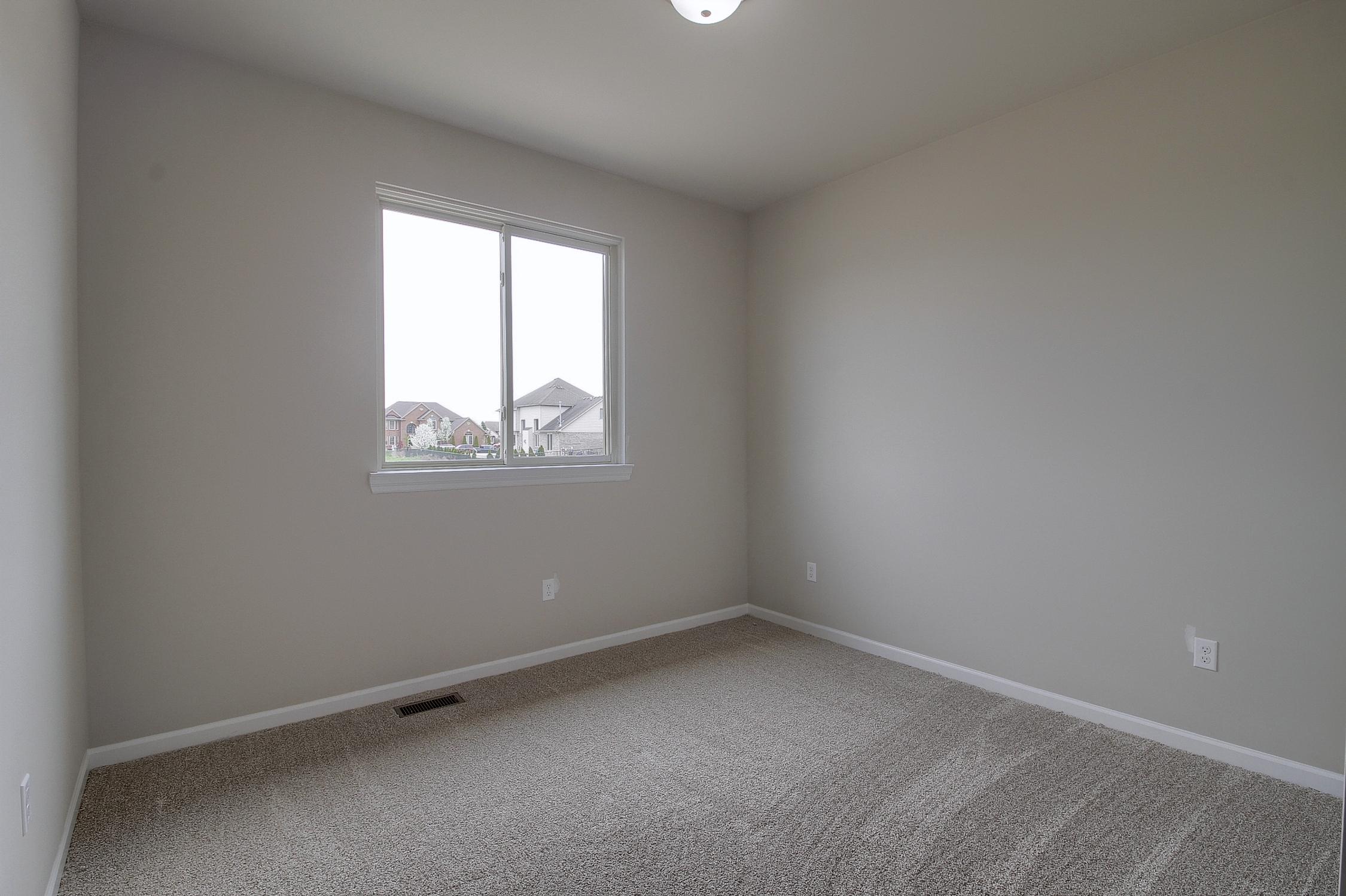 20-2nd Bedroom.jpg