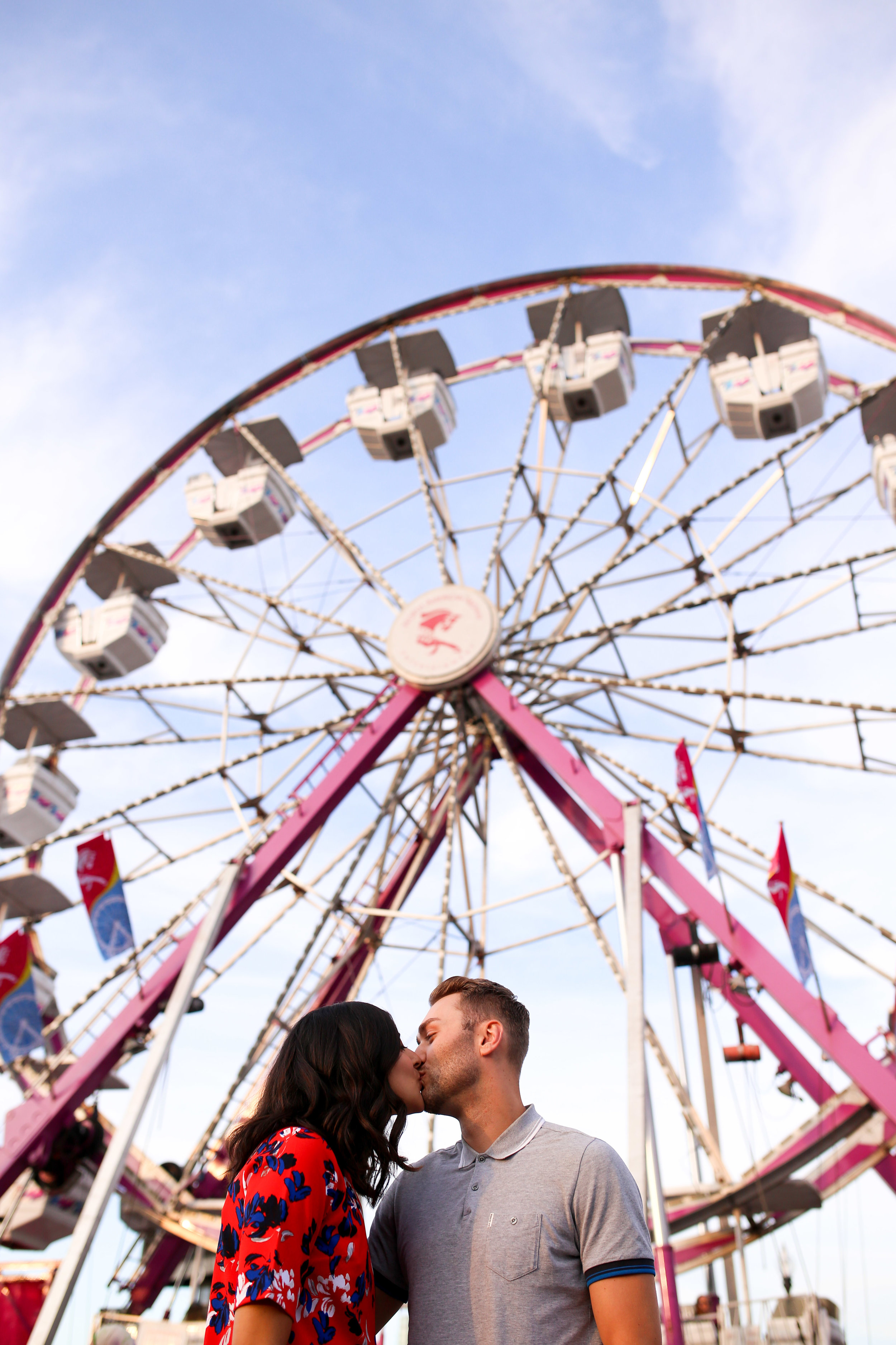 Engagement_Photography_Carnival_Fair-youthebestphotos.jpg