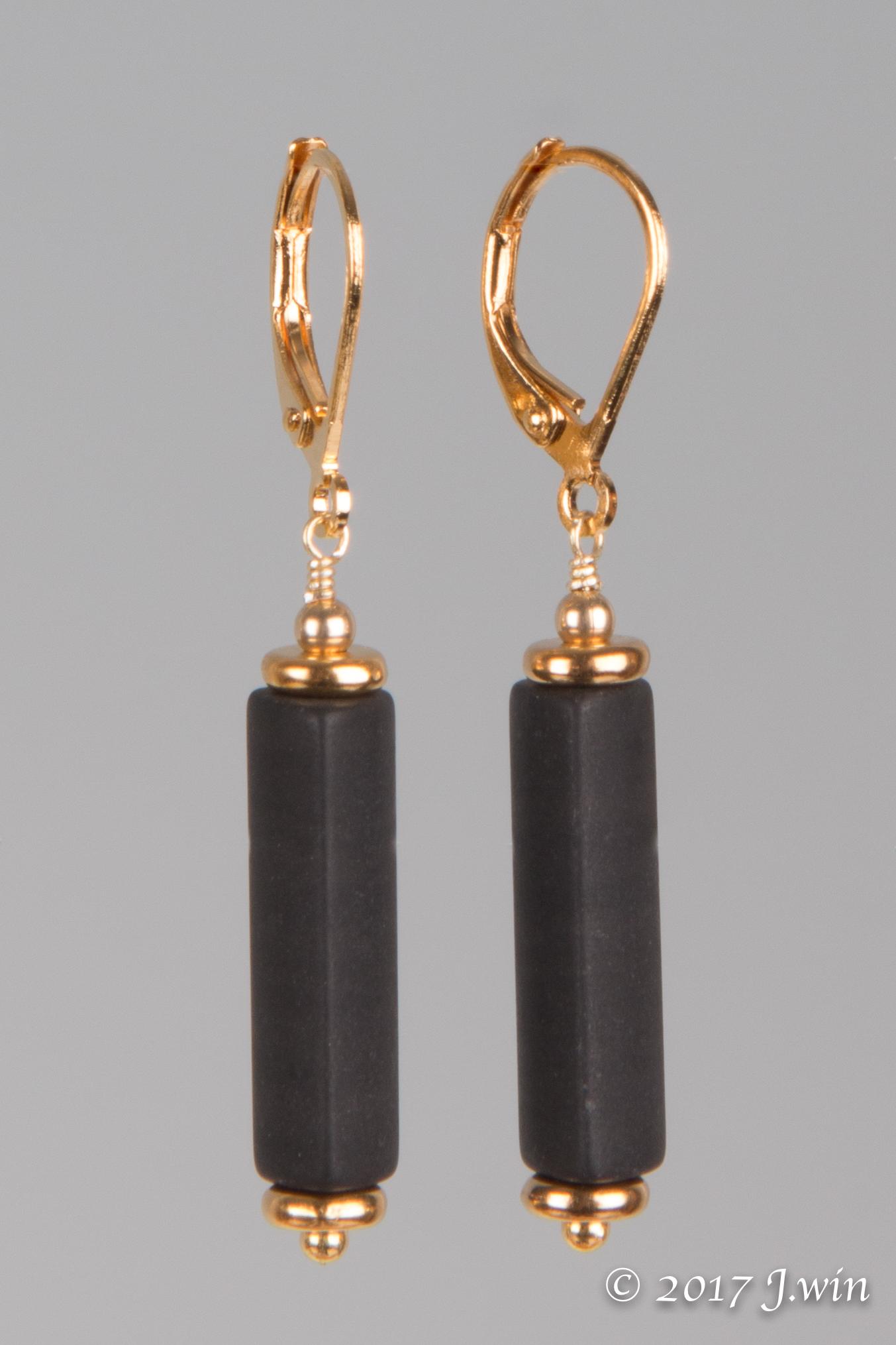 Onyx gold earrings