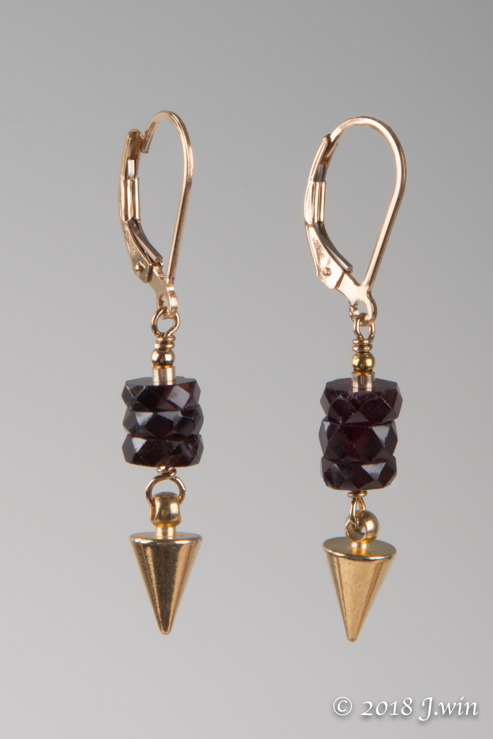 Red garnet and gold earrings