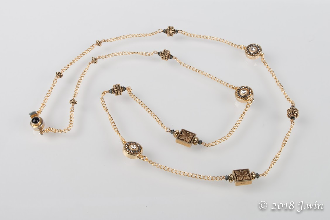 Gold and crystal stunner necklace