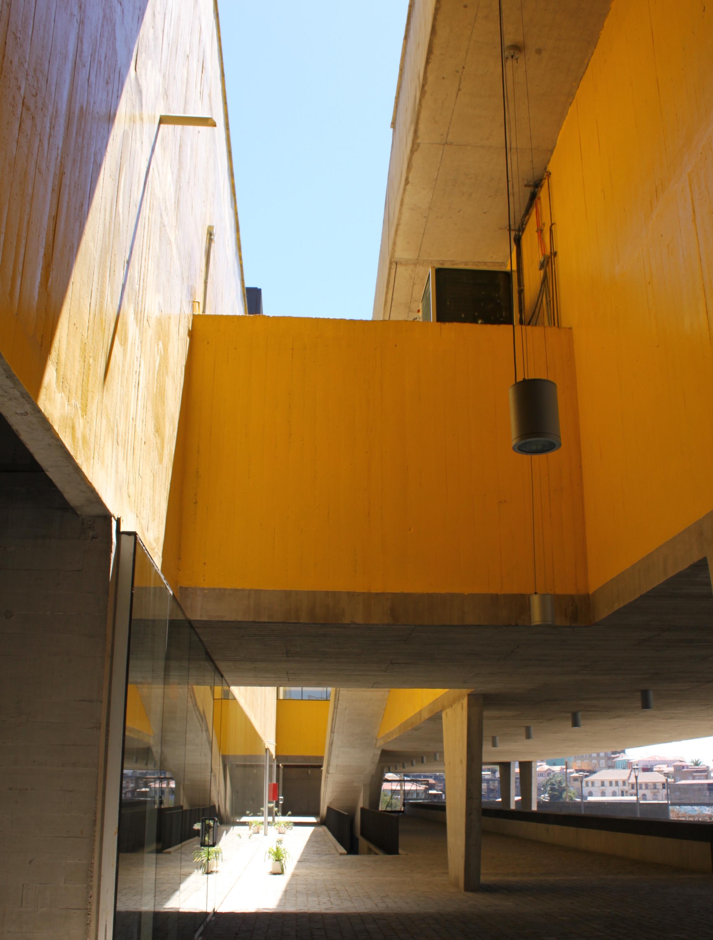 Vista_interior_edificio_Parque_Cultural_Valpara%C3%ADso.jpg