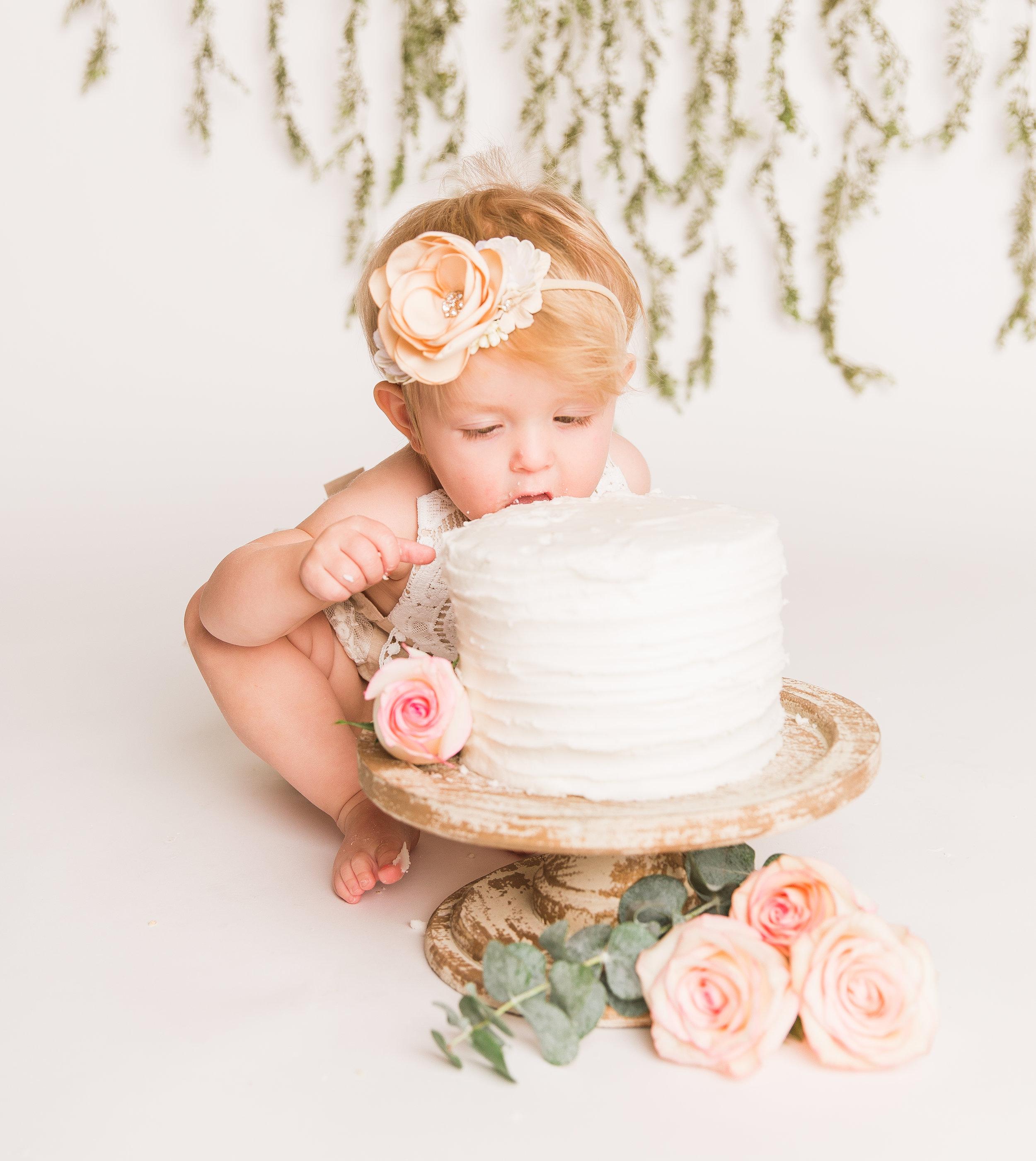 Kallie Cake Smash-Kallie Cake Smash-0069.jpg