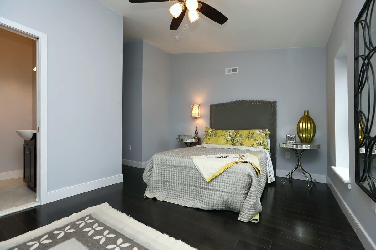 3523 Sunnyside - master bedroom