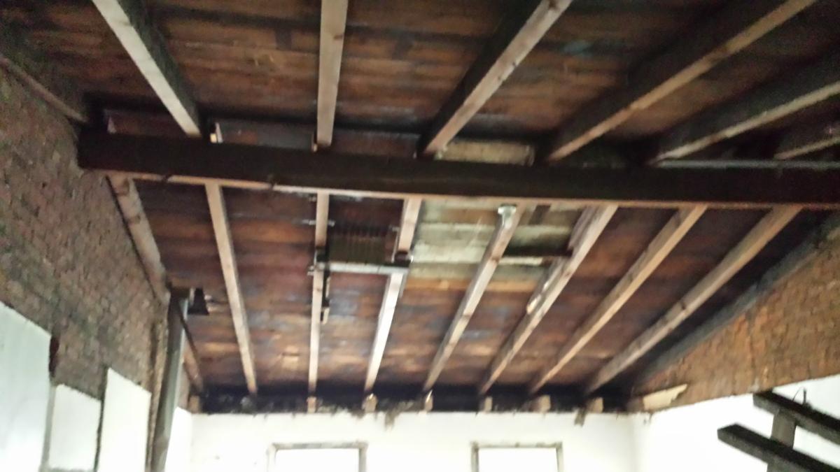b - 3523 sunnyside demo roof 2 .jpg