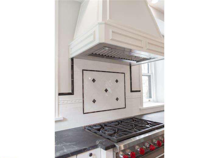 Lincoln Drive - kitchen
