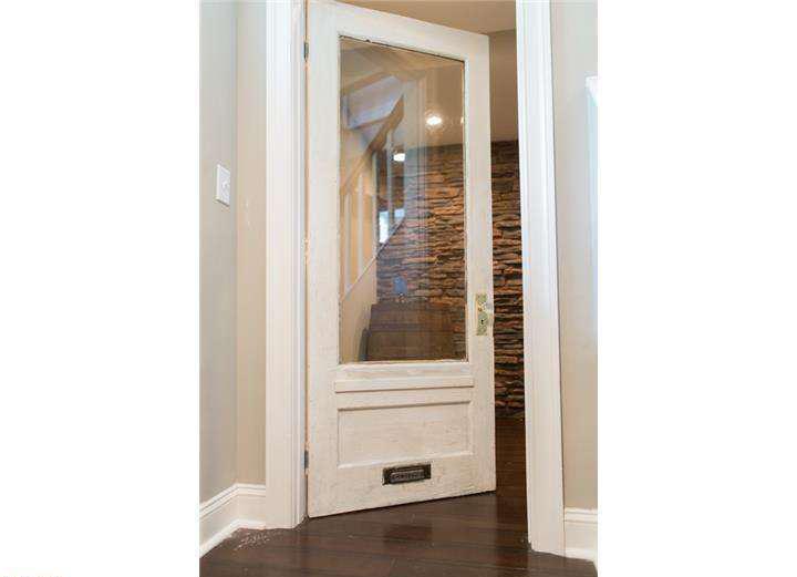 Lincoln Drive - original restored door