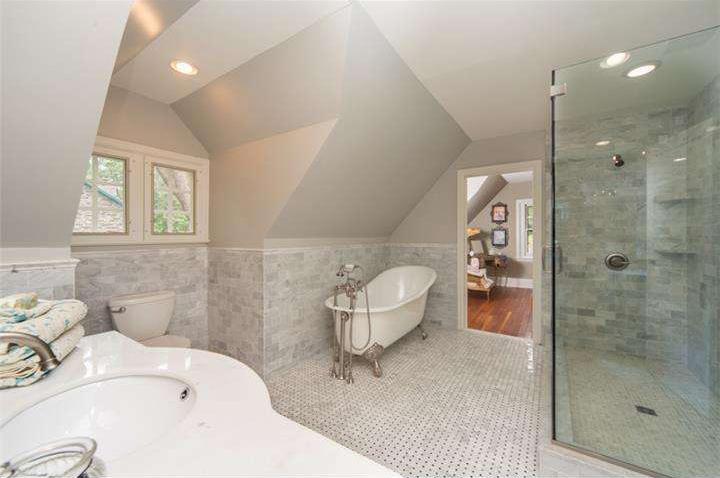 Lincoln Drive - master bath