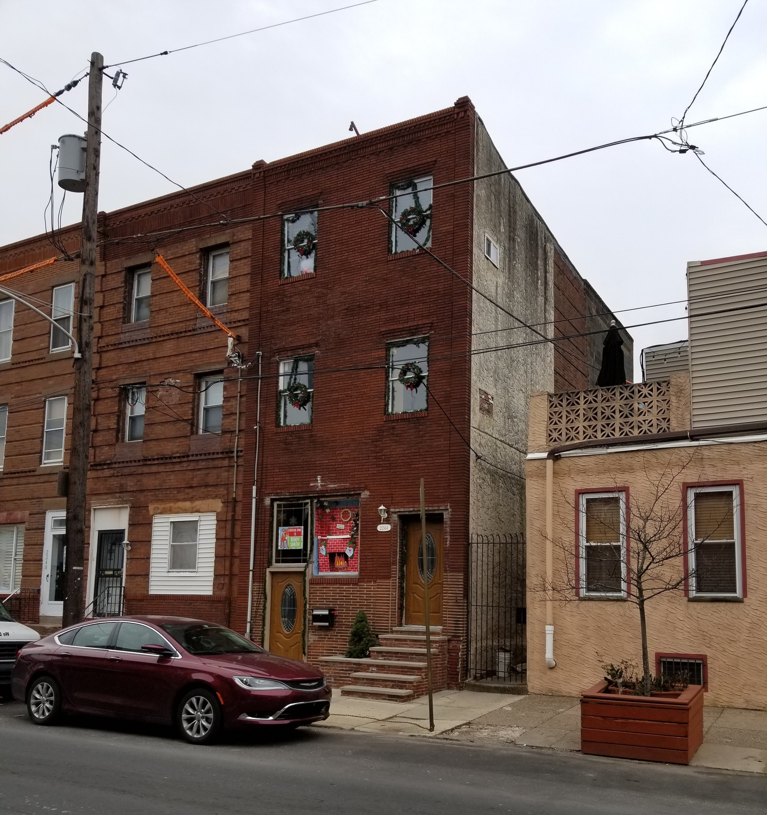 See, they even have cardboard chimneys in South Philly!